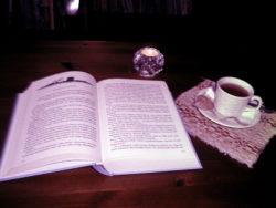 """Raamatuväljapanek """"Õhtujutud"""""""
