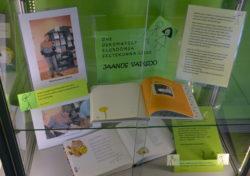 """Raamatunäitus """"Ühe uskumatult elurõõmsa seltskonna liige Jaanus Vaiksoo"""""""