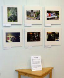 """Näitus fotokonkursi """"Loetud hetked"""" parematest töödest."""
