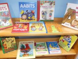 """Väljapanek """"Aabits - esimene kooliraamat"""" Tamsalu raamatukogus"""